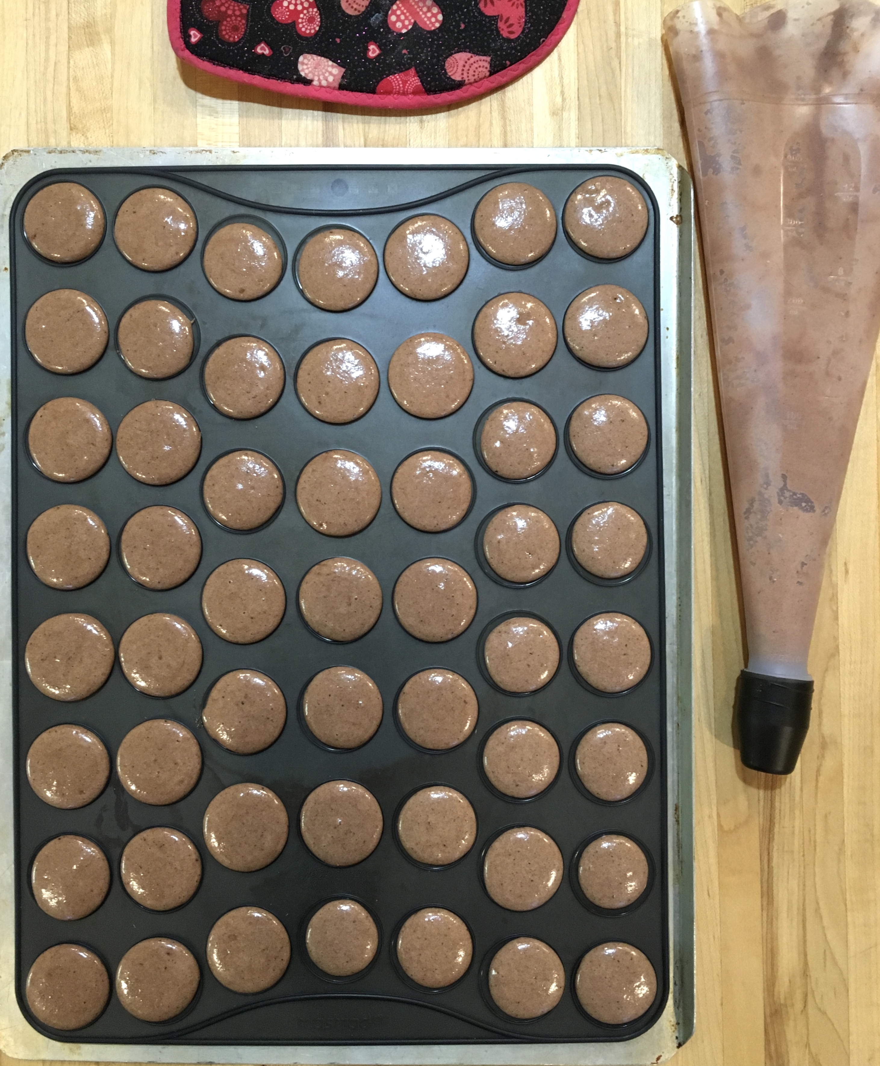 macaron piped unbaked