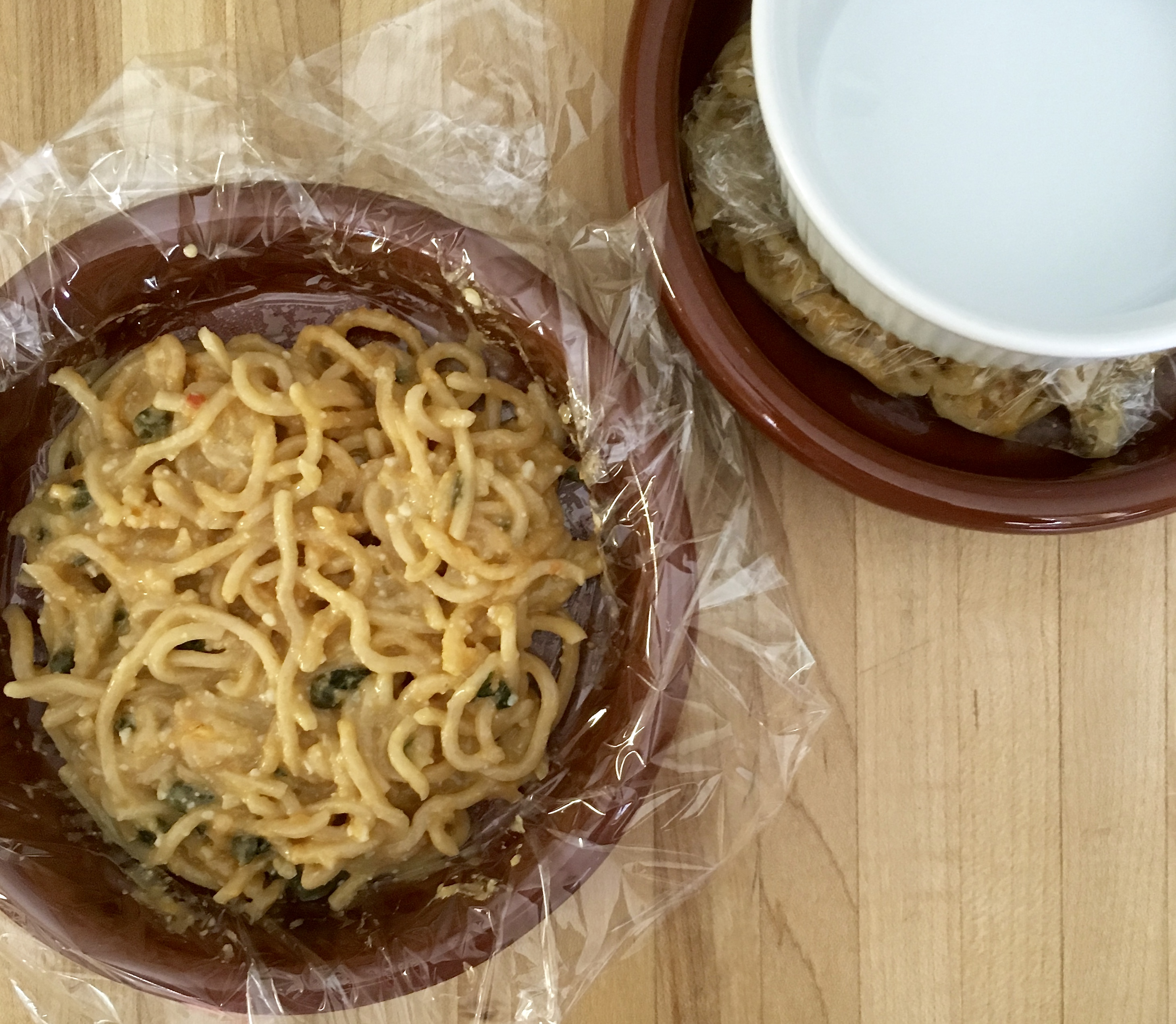 cooked noodles for bun