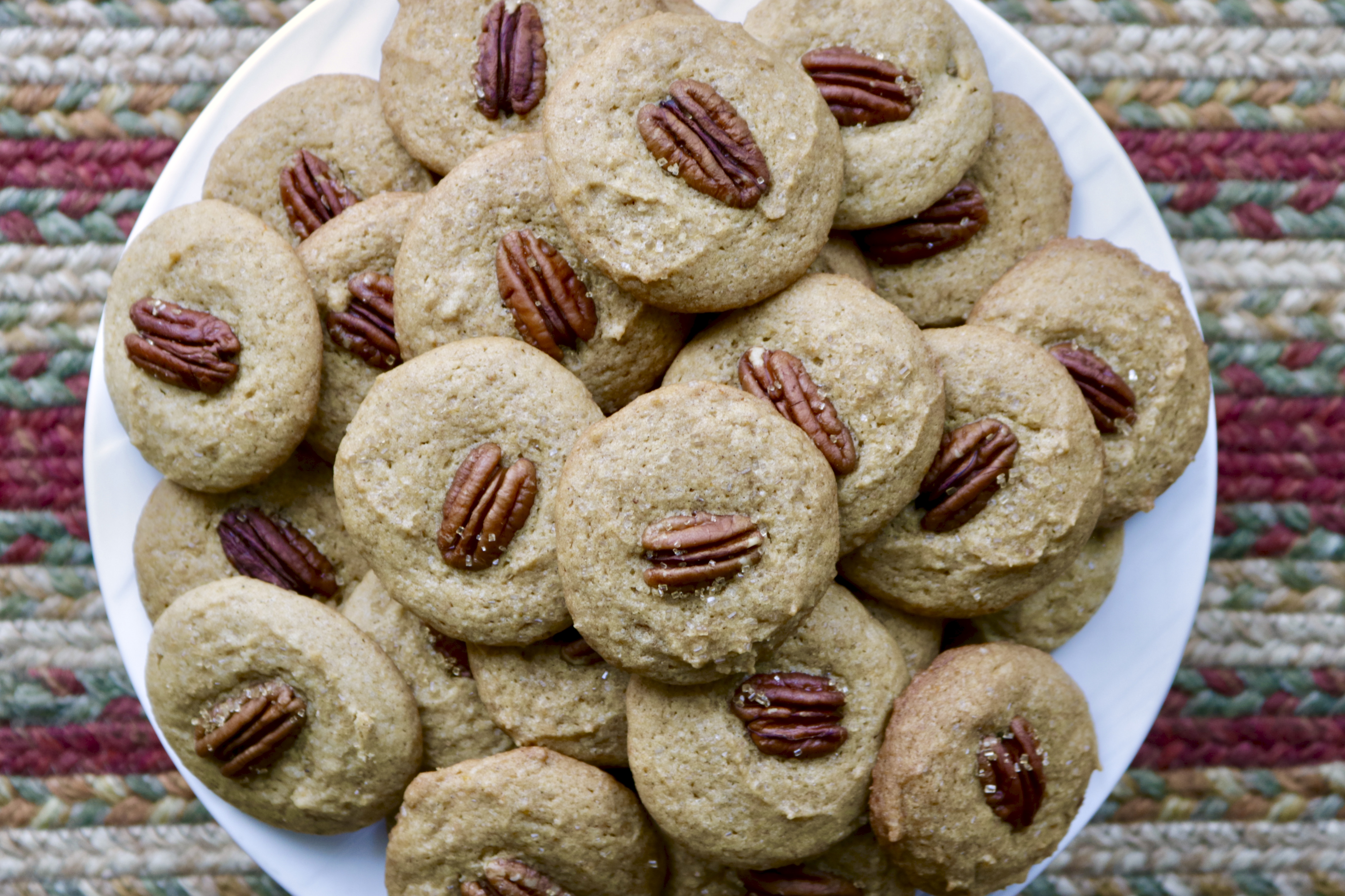 plate of baked cookies