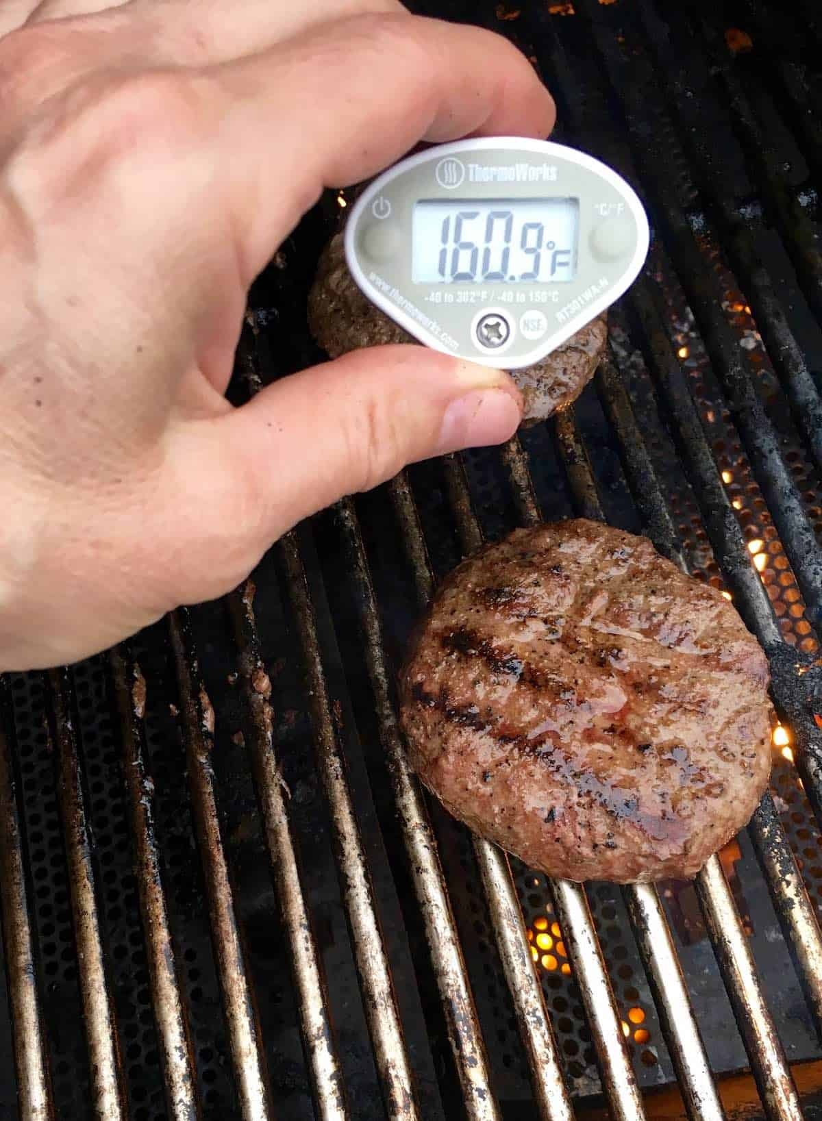 grilled burgers with instant read thermometer 160.9F