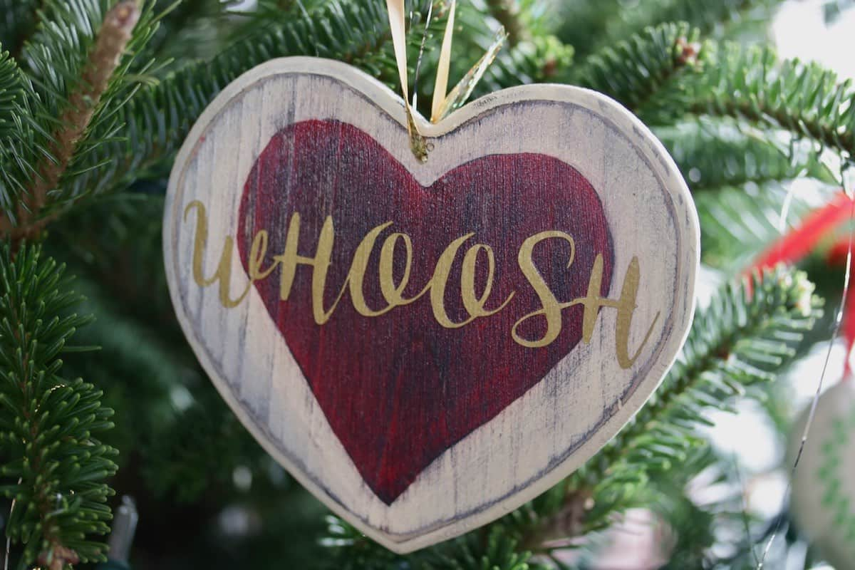 Whoosh heart xmas ornament