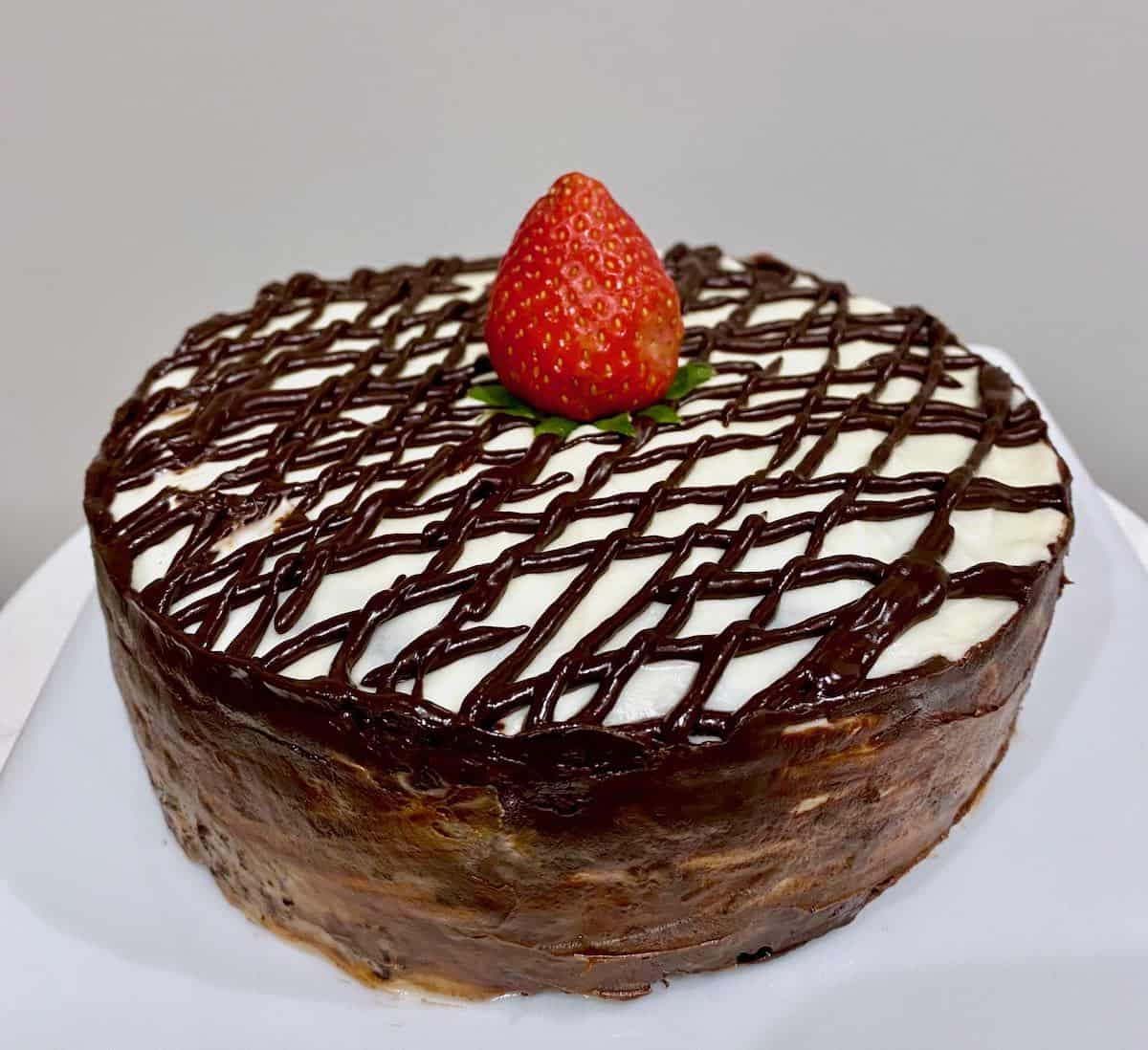 Surprise Sous Vide Chocolate Cake, Strawberries & The Best Ganache Cream Cheese Frosting