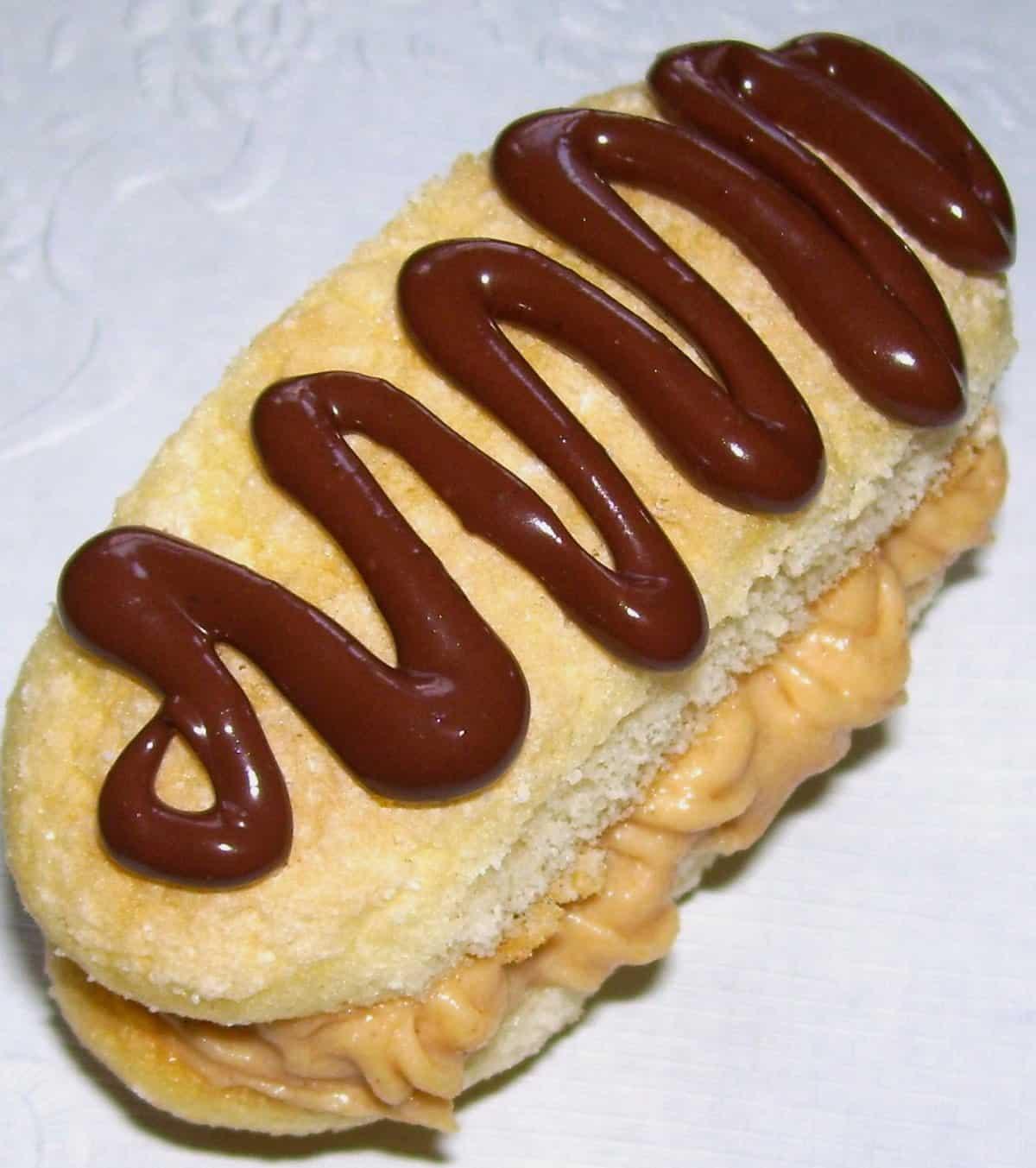 peanut butter cream cannoli