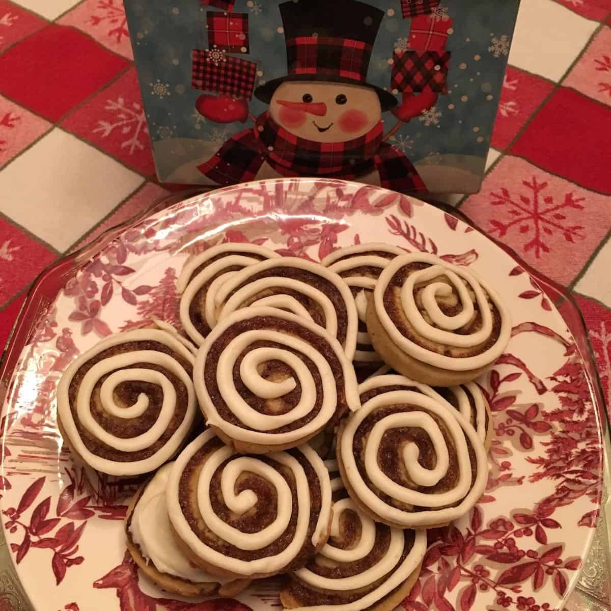 plate of cinnamon bun cookies