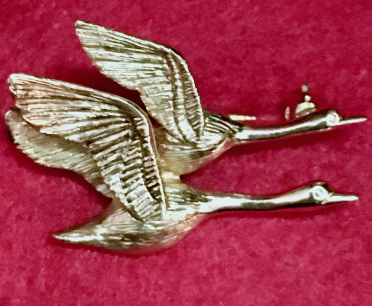 geese mate for life gold pin