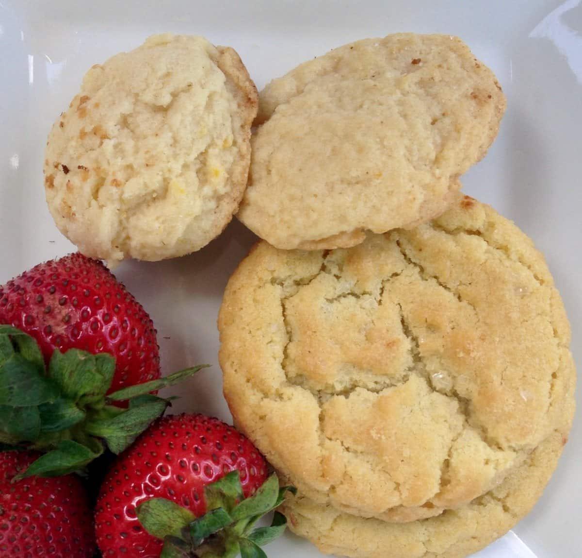 lemon cookies and strawberries