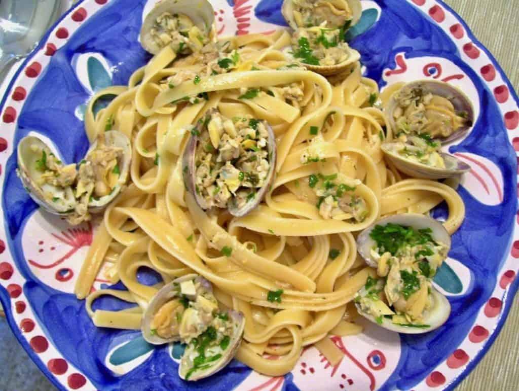fettuccine clam sauce