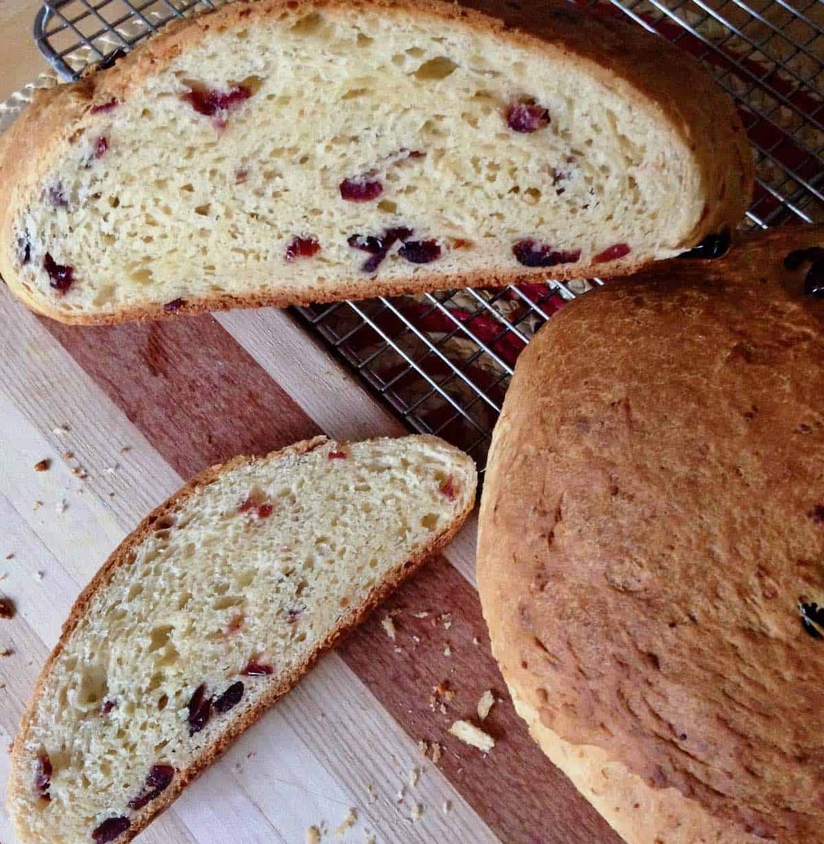 smokehouse cranberry cheese bread